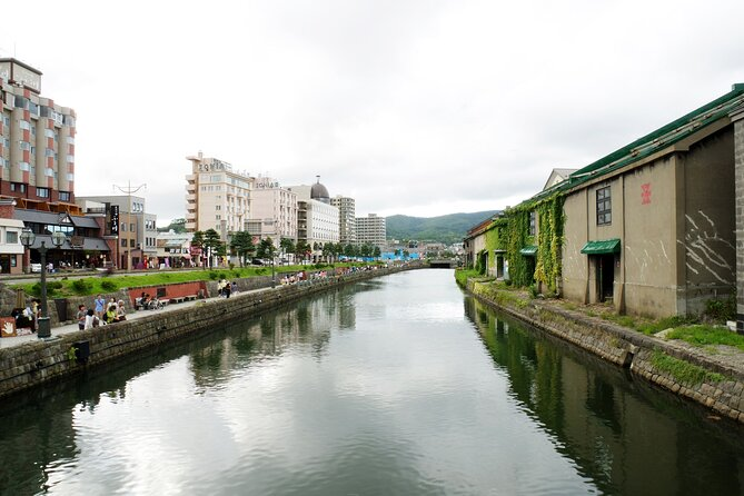 You can explore Otaru, Hokkaido as you want with a local professional & friendly guide. Since this is a customized private tour, you can choose the tour time and the sights you visit. <br><br>You will have great time and great food. Hotel meet up is included to ensure you receive a stress-free experience. If you are not sure where you wanna go, follow the sample itinerary.