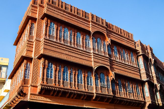 If you are running short on time or just come down to explore tourist destinations in and around city, half day city tour is the best option.<br><br>We have picked up all the spilled pieces together and created a beautiful it in our Trails of Bikaner tour, an unmatched heritage experience with awesome stories to understand a city's existence, culture and lifestyle.