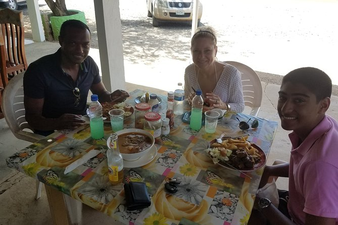 Experience the Bario's of Bonaire with an accurate narrative on the lifestyle of the local Bonairian's.<br>Travel through 2 neighborhoods where your guide will describe local architecture and enjoy a local lunch.<br>Prior to the tour start, we will discuss the type of lunch each member is interested in and the lunch location will then be chosen.<br>A wonderful way to learn about the local of Bonaire away from the tourist locations.