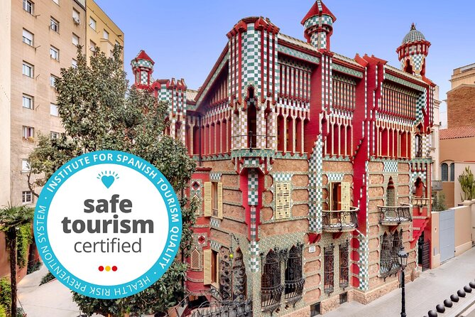 Enjoy the opportunity to explore the First house of Gaudi while you are visiting Barcelona with this entrance ticket. <br><br>Located in the charismatic neighborhood of Gracia, Casa Vicens invites you to discover a young Gaudi without hurry.<br><br>Before your visit, we will welcome you and explain some background information and possible routes to tour Casa Vicens. On each storey, floor staff are available to help visitors and answer any questions they may have.