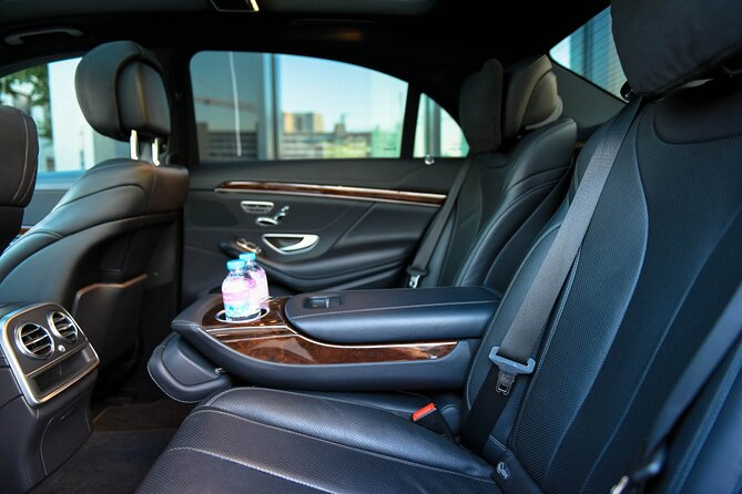 Private transfer from Champery to Geneva Airport, ,