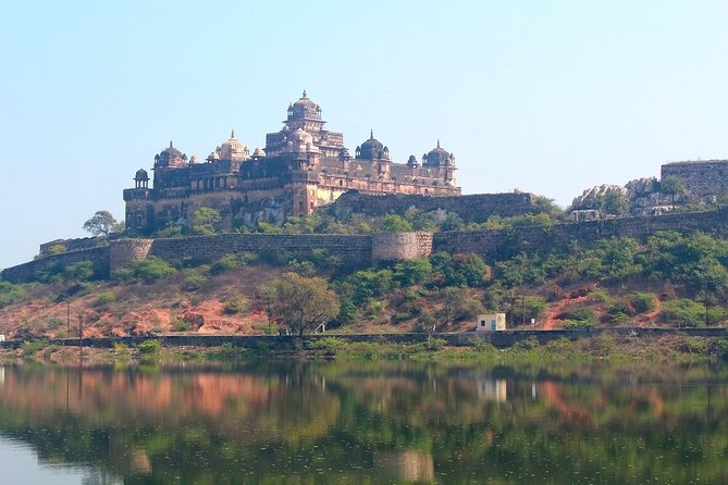 Discover all the beautiful and famous sites of Jhansi & Orchha and taste local delicacies on this fantastic 8-hour experience with a personal guide in an air-conditioned car. <br>Highlights:<br>Discover the marvelous monuments, colorful markets, famous museums and temples spilled across the city. We have designed this beautiful garland of all the places in this tour, an unmatched heritage experience with awesome stories to understand a city's existence, culture and local trivia. <br>1. Visit scenic and beautiful Lakshmibai Park, royal palace in the city of Jhansi built by the Subedar of Jhansi and later formed one of the residences for Rani Lakshmibai, Jhansi Fort and many more with local markets and listen to stories of the city's history, culture and life. <br>2. Explore the famous Chaturbhuj Temple, Orchha Fort complex and other ancient monuments consisting of fort, palaces, temple of Orchha.<br>3. Complete the tour with a big smile on your face and beautiful memories to cherish in your photos.