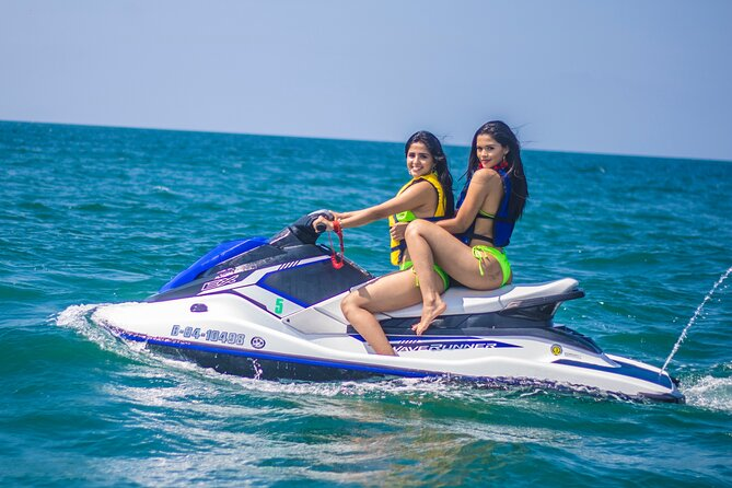 Jet Ski Rental along the Coast Line of Manta, Manta, Equador
