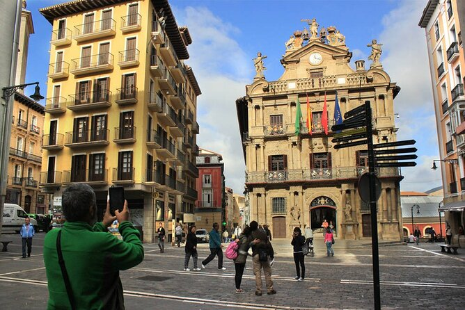 Pamplona historical&cultural walking small group tour, Pamplona, ESPAÑA