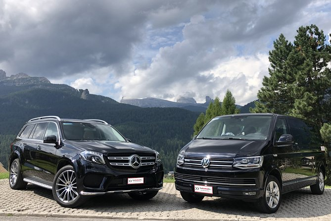 Enjoy your private transfer back to the airport after your holiday into the Dolomites with a customized service with English speaking drivers. <br><br>Your professional driver will be local from the area of Cortina d'Ampezzo with 4 wheel drive vehicles.<br><br>Bottles of water and Wi-Fi connection are free on board. <br><br>Avoid issues about timetables, mountain roads and parking by using a private personal driver to reach the airport from Cortina d'Ampezzo and the Dolomites in a safe, comfortable and fast way.