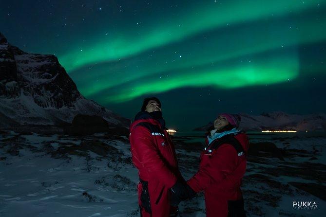 Northern Lights in a Tesla Model X, Tromso, NORUEGA