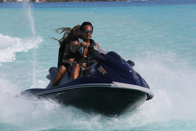 Grab your jet ski for two and take a 2-hour jet ski ride around the famous Bora Bora lagoon in the heart of the Pacific. With no license required and a morning and afternoon departure, enjoy the flexibility this experience offers as you're guided on a journey of the lagoon exploring the outer reefs and the stunning turquoise waters of Bora Bora.
