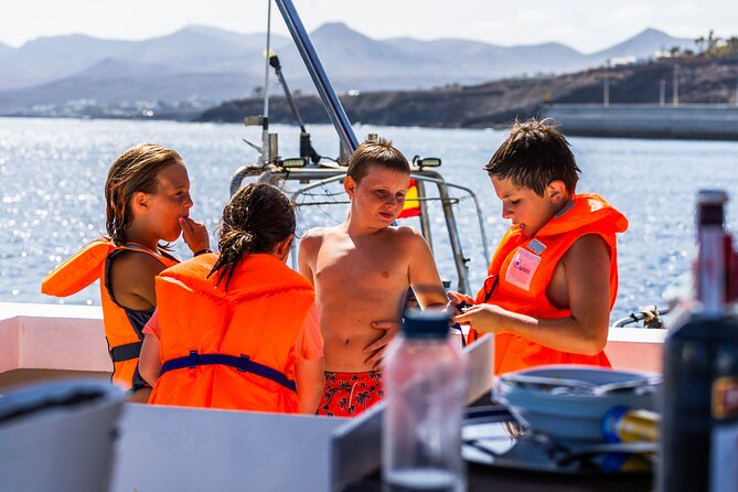 Half Day Boat Tour with Drinks and Water Activities, Lanzarote, ESPAÑA