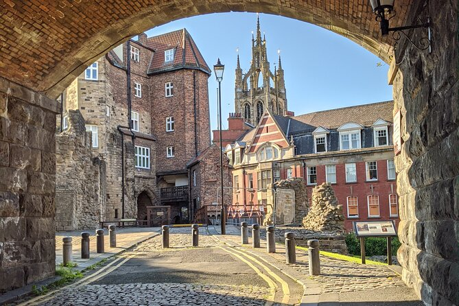 Scratch beneath the surface of this northern city to discover a place rich in history and culture. Your expert guide will take you right into the historical heart of Newcastle to learn how the original settlement developed into the city it is today. Check out St. Nicholas Cathedral, the Black Gate and the Bigg Market – one of the city's medieval markets that's still thriving today. <br><br>What 3 Words starting location: ///intent.shot.bright