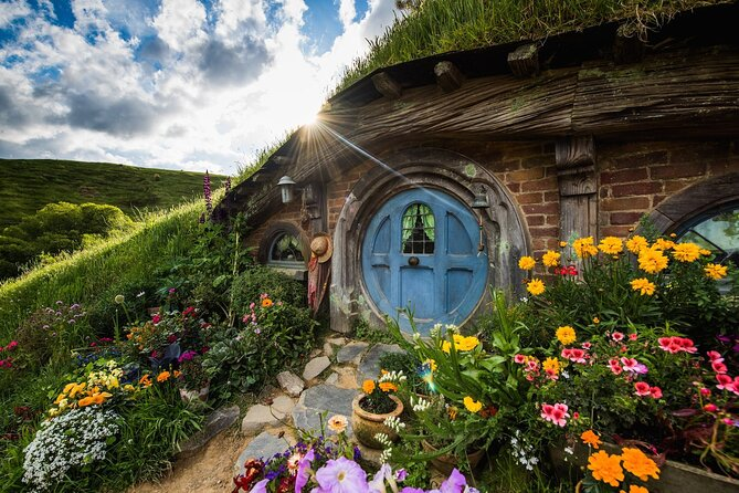 Travel in style from Auckland to Hobbiton Movie Set - set on rolling farmland, this is the world famous movie set where you'll see the intricately created 'Hobbit holes' the Green Dragon Inn, the Party Tree and so much more cinematic magic! Immerse yourself in the sights, smells, sounds and tastes of the Shire as featured in the Lord of the Rings and Hobbit trilogies.