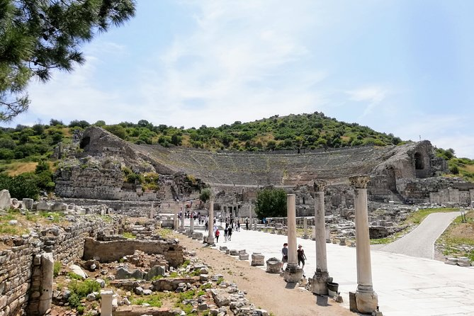 Private Tour from Izmir to Ancient Ephesus: Artemission Temple and Virgin Mary House including Lunch, Izmir, TURQUIA