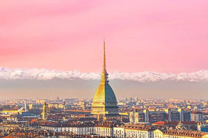 Guided by our local insiders and our Turin bike tour guides, you will experience the top Turin tourist city attractions and sightseeing sites such as the Castle and Mole Antonelliana, as well as its green lung, the beautiful Valentino Park, and some hidden corners where our passionate guides will share with you some well-kept secrets.