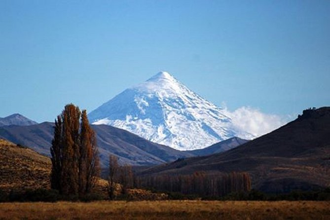 Descubriendo Neuquén, entre pehuenes milenarios, lagos y comunidades mapuches, Cafayate, ARGENTINA