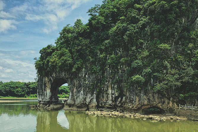 MÁS FOTOS, Trunks and Caves: a Guilin exploration