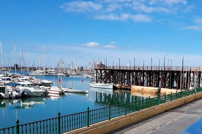 If you want an authentic experience that combines gourmet cuisine with our local history, this is the tour you are looking for.<br>You will discover the smell, color and taste of the city through a unique, sensory and original experience while enjoying the essence of the cuisine of Torrevieja, in different gastronomic areas.