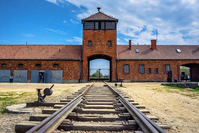 MAIS FOTOS, Skip-the-Line Auschwitz-Birkenau Ticket with a Guide