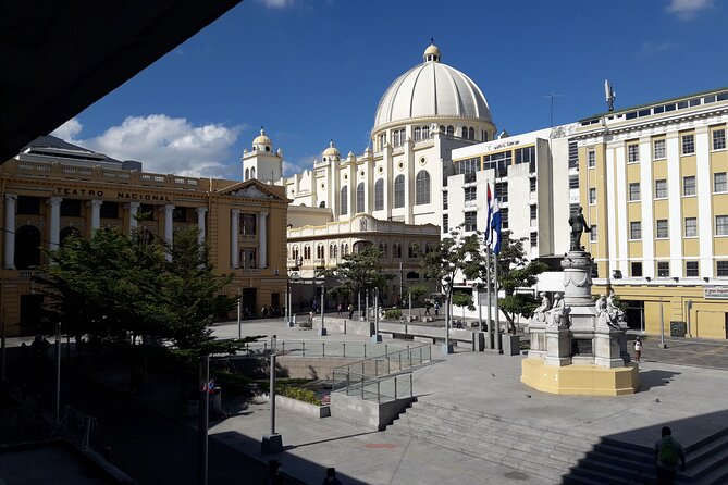 The capital of El Salvador, San Salvador, is only a 90-minute ride from Acajutla. This tour includes visits to the most important areas including the residential/business district of Santa Elena, Salvador del Mundo Plaza, El Rosario Church, Monsignor Romero memorial site, Plaza Barrios and Plaza Morazan. Coin museum, Natonal palace. If time avaliable enjoy a cup of gurmet coffee in any of the coffee shops at city center, prepared by barista.