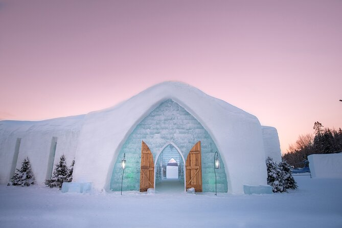 Located only 20 minutes north of Quebec City, Hotel de Glace is a must-see attraction to discover every winter. The only Ice Hotel in North America, has seduced over a million people around the world since its opening in 2001. With its huge snow vaults, its crystalline ice sculptures its 21 rooms and suites, the Hotel de Glace impresses by its dazzling decor. Whether guests sleep, visit or get married at the Ice Hotel, everyone is charmed by this work of art that is built every year with a specific theme.