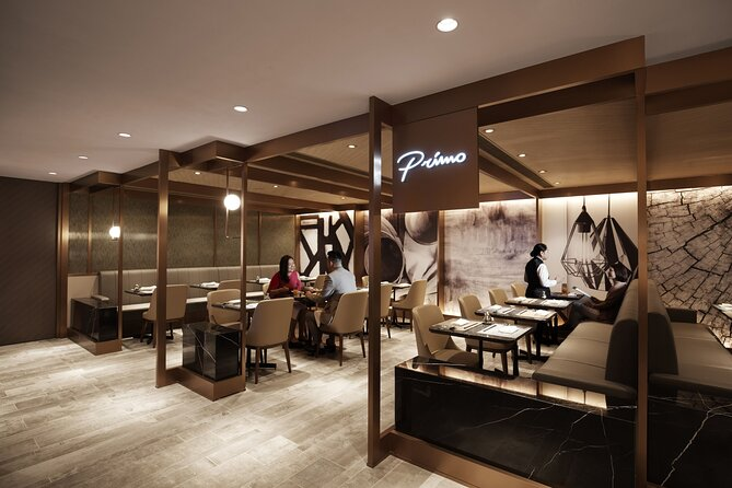 Plaza Premium First Hong Kong is conveniently located 1-minute walk after security in Terminal 1 at Hong Kong International Airport. It brings you an elevated airport lounge concept with an all-inclusive personalized services and exquisite culinary experiences.