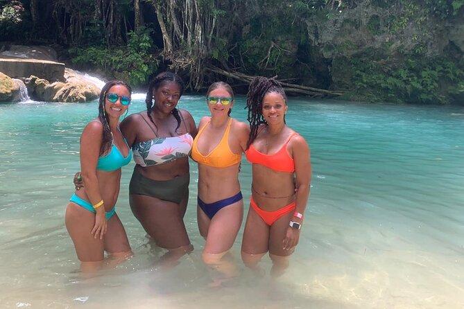 Combo de excursões particulares em Blue Hole e Parque das Cataratas Konoko, Kingston, JAMAICA