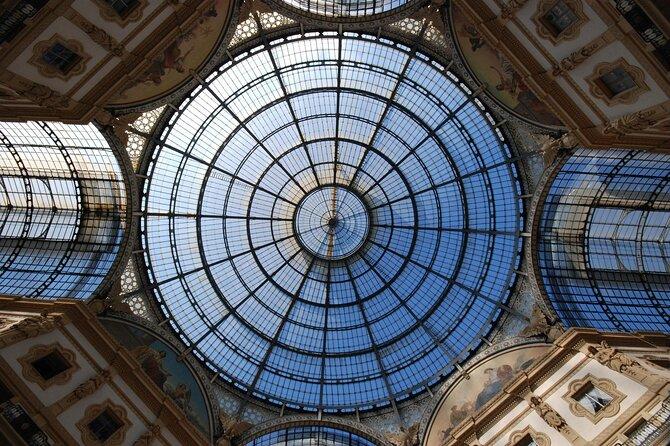 Experiencia de compras personal por Milán en la Galería de Víctor Manuel II, Milan, ITALIA