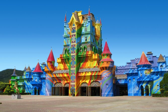 Round Trip to Beto Carrero World in shared service.<br>Air-conditioned transportation.<br>Travel with safety and comfort.