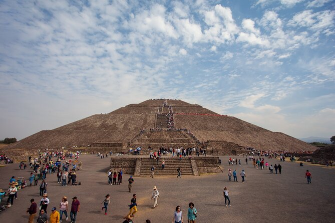 BEST TOUR IN MEXICO TRIPADVISOR AWARDS 2020 WINNER AND TOP 25 WORLDWIDE.<br><br>Visit the pyramids of Teotihuacan – City of the Gods – on this archeological tour from Mexico City with a specialized guide.