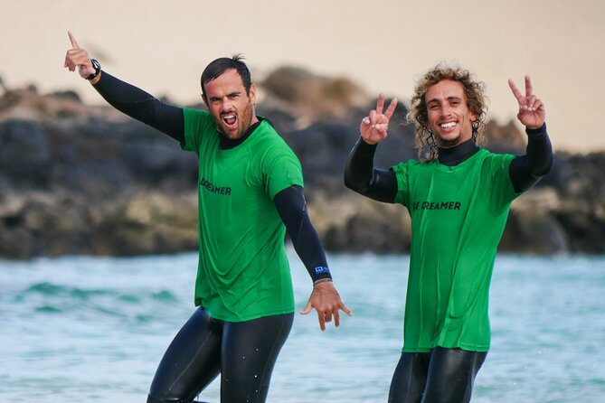 Surf Lesson for beginners and intermediate (1 instructor with max 4 people), Fuerteventura, ESPAÑA
