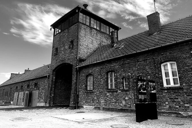 Full day tour to Auschwitz and Salt Mine from Krakow, Cracovia, POLONIA