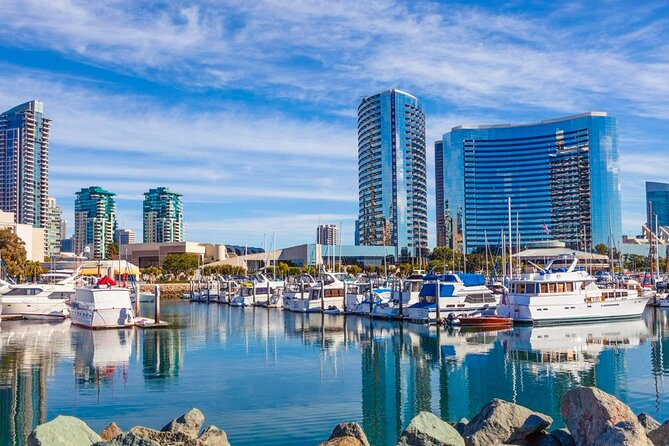 Arrival Private Transfer San Diego Airport SAN to San Diego by Executive SUV, San Diego, CA, ESTADOS UNIDOS
