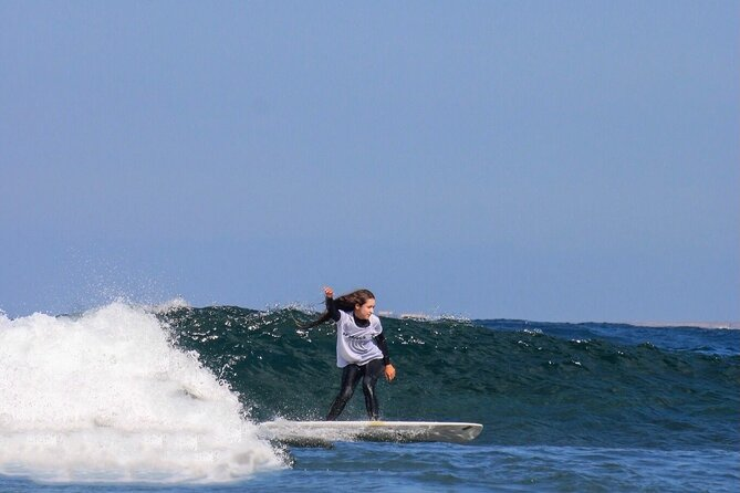 MÁS FOTOS, Surf Lesson for beginners and intermediate (1 instructor with max 4 people)