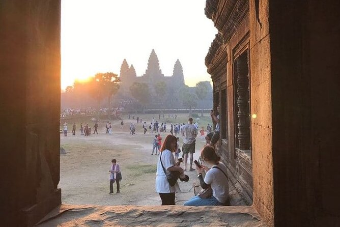 An early-morning tour of Angkor at sunrise. This morning-only tour takes you to Angkor to see the magnificent setting at sunrise. Before the break of dawn, settle in our serene viewing spot to watch the light glow behind the temple spires for the perfect beginning to a day in Siem Reap – truly mesmerizing.