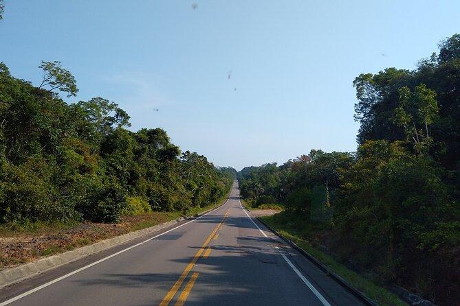 Passeio de Dia Inteiro em Presidente Figueiredo para as cachoeiras da Neblina e Pedra Furada, Manaus, BRASIL