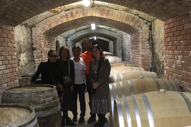 MAIS FOTOS, Private winetasting and sightseeing tour to Eger, home to Bull's Blood wine!