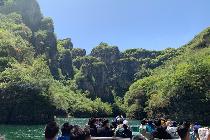 MÁS FOTOS, Private Day Tour to Longqing Gorge and Dingling at the Ming Tombs with Lunch and Boat Ride