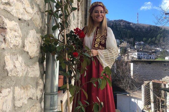 MÁS FOTOS, Dress up & travel to 1800 in the Bazaar of Gjirokaster
