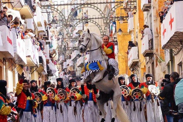 Excursión privada de un día sobre los Moros y Cristianos de Alcoy desde Benidorm, Benidorm, ESPAÑA