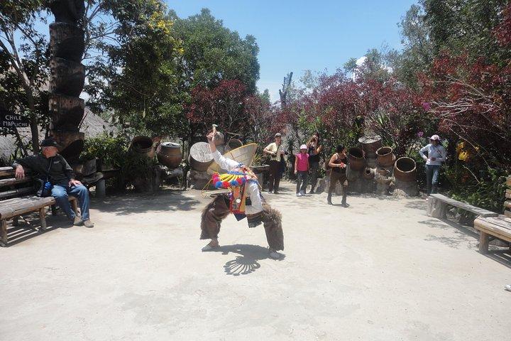 Salidas diarias: excursión de medio día para grupos pequeños a la Mitad del Mundo, Quito, ECUADOR