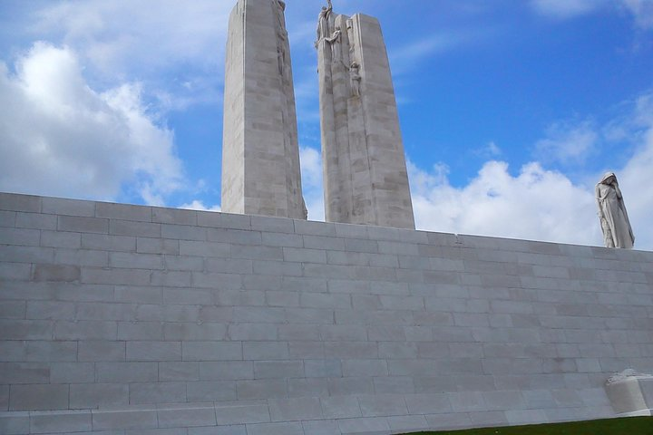 Private Canadian WW1 Vimy & Somme Battlefield Tour from Arras or Lille, Lille, França