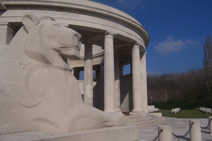 Private Full-Day Canadian Vimy and Somme Battlefield Tour from Brussels, Gante, BELGICA