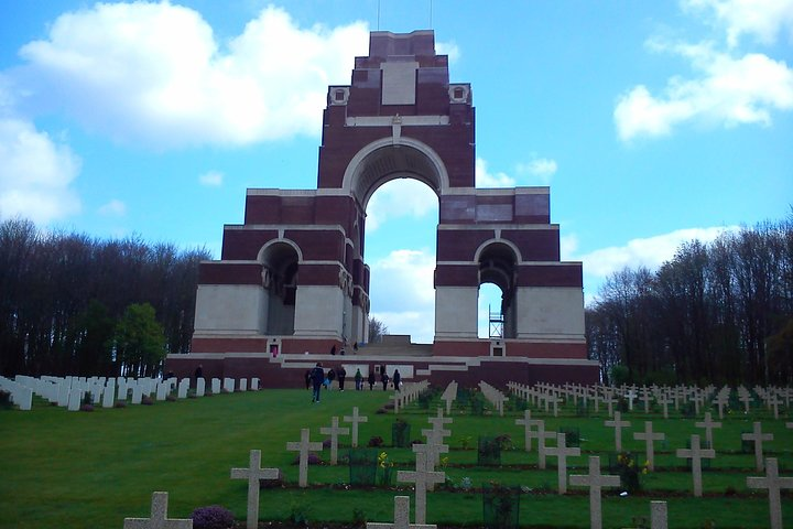 2 day Canadian Somme and Flanders Fields battlefield tour from Ypres or Bruges, Brujas, BELGICA