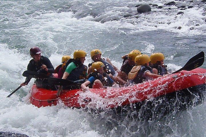 El rafting en el río Sarapiquí de clase III - IV, San Jose, COSTA RICA