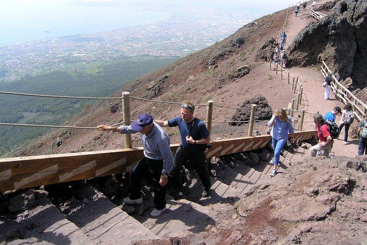 Half-Day Trip to Mt. Vesuvius from Naples, Nápoles, Itália