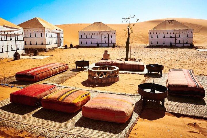 Excursión privada de 2 Días por el desierto de Fez con una noche en campamento de lujo., Fez, MARRUECOS