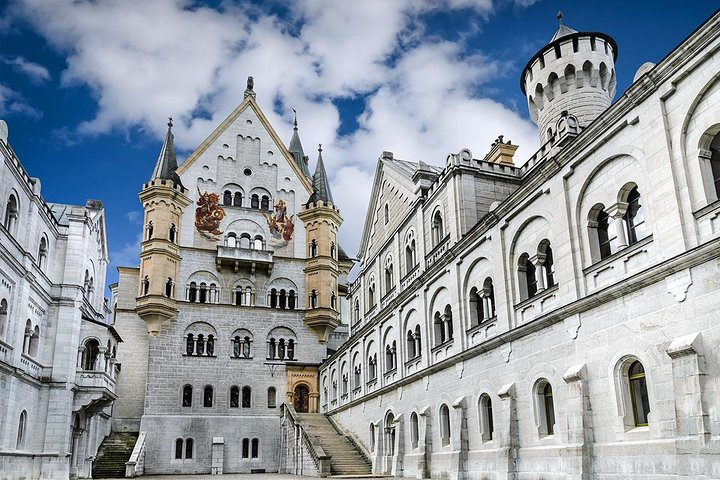 Neuschwanstein Castle Day Trip from Munich with Guide and Bus/Train Ticket, Munich, GERMANY