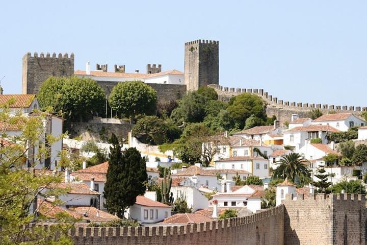 Fátima: Excursión privada de día completo: Fátima-Batalha-Nazaré-Óbidos: en Mercedes, Lisboa, PORTUGAL
