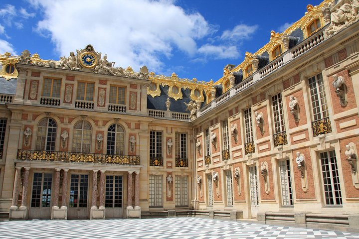Versailles Palace Skip the Line Audio Guided Tour with Gardens Access from Paris, Paris, FRANCE