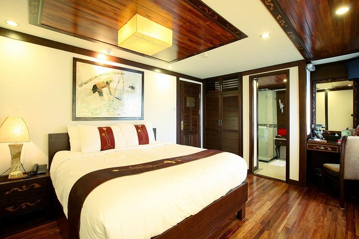 Indochina Sails Junk Cruise Ha Long 3 days 2 nights depart from Ha Noi, Hanoi, VIETNAME