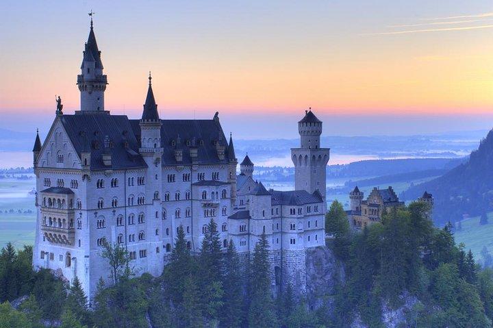 Private Tour: Royal Castles of Neuschwanstein and Hohenschwangau from Munich, Munich, GERMANY