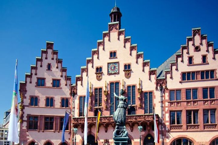Frankfurt Layover Private Sightseeing Tour with Round-Trip Airport Transport, Frankfurt, GERMANY